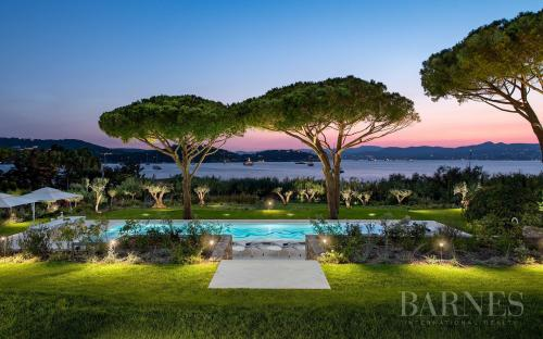 Casa di lusso in affito SAINT TROPEZ, 451 m², 6 Camere,