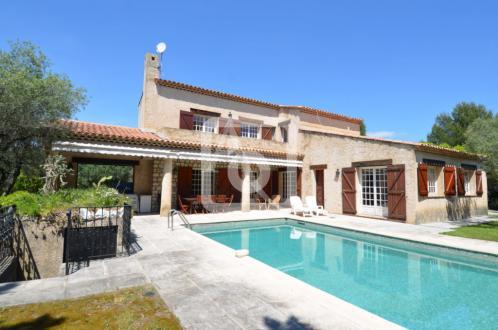 Villa de luxe à vendre ROQUEFORT LES PINS, 291 m², 7 Chambres, 1100000€