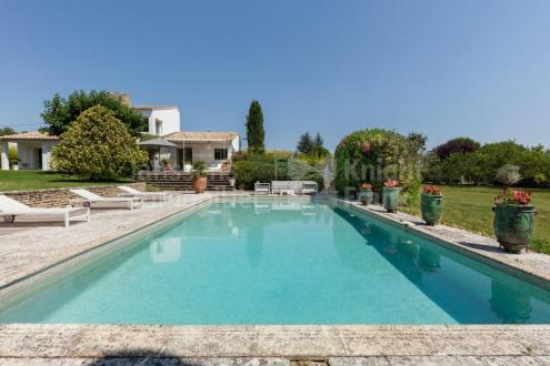 Villa de luxe à vendre SAINT REMY DE PROVENCE, 230 m², 4 Chambres, 1695000€