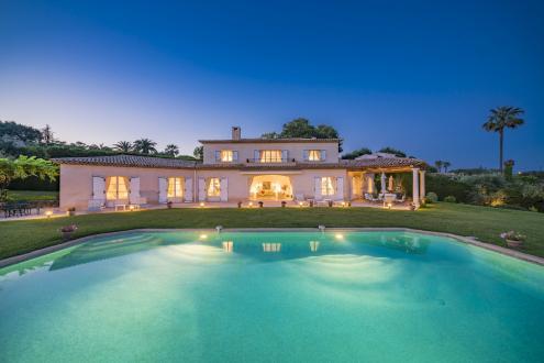 Propriété de luxe à vendre MOUGINS, 272 m², 4 Chambres, 3500000€