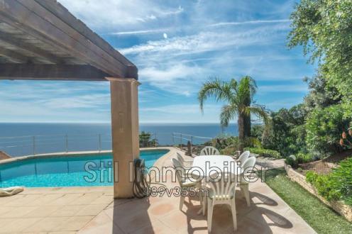 Villa de luxe à vendre LES ISSAMBRES, 200 m², 5 Chambres, 975000€