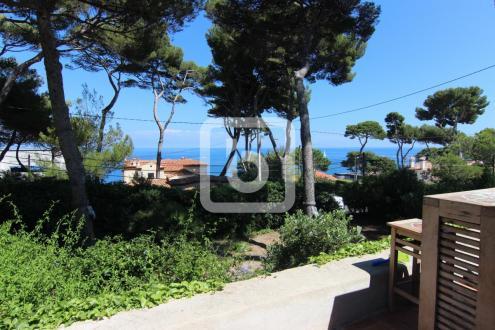 Villa de luxe à vendre CAP D'ANTIBES, 120 m², 4 Chambres, 1590000€