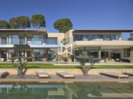 Дом класса люкс на продажу  Кап д'Антиб, 480 м², 6 Спальни