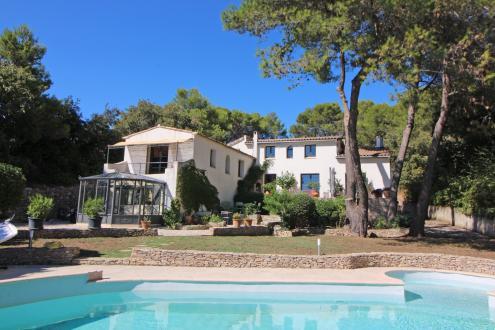 Villa de luxe à vendre NIMES, 235 m², 4 Chambres, 649000€