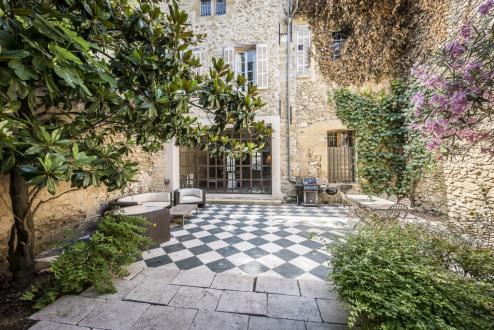 Propriété de luxe à vendre LAMBESC, 450 m², 5 Chambres, 1200000€