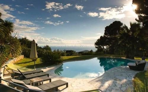Luxus-Villa zu verkaufen Nizza, 300 m², 3 Schlafzimmer, 2625000€