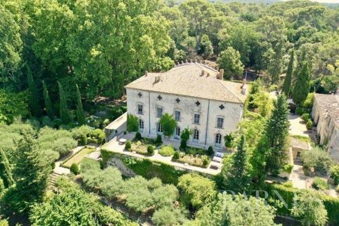 Château / Manoir de luxe à vendre SOMMIERES, 800 m², 12 Chambres, 2400000€