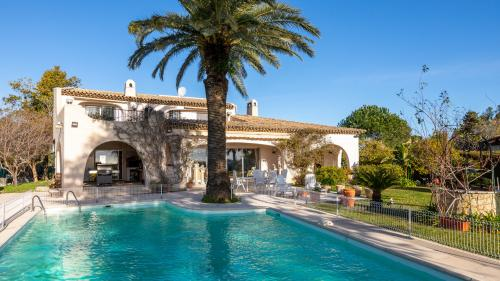 Luxury House for sale VALLAURIS, 250 m², 5 Bedrooms, €2860000