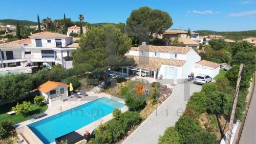 Maison de luxe à vendre SAINT AYGULF, 186 m², 4 Chambres, 945000€