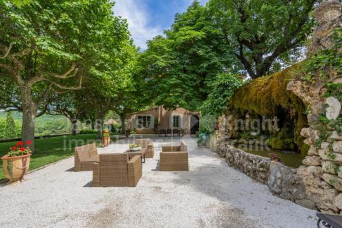 Luxus-Farm zu verkaufen SAIGNON, 480 m², 15 Schlafzimmer, 2550000€