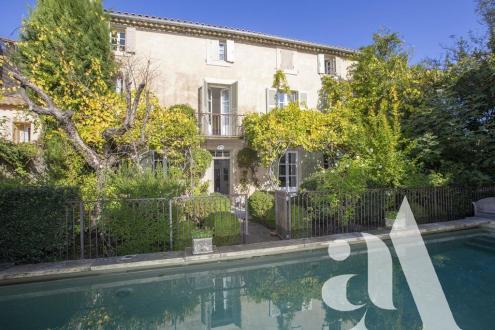 Luxus-Haus zu verkaufen SAINT REMY DE PROVENCE, 1350000€