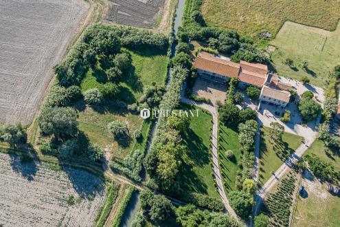 Maison de luxe à vendre ARLES, 1200 m², 12 Chambres, 1942500€