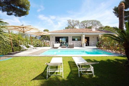 Villa de luxe à vendre ROQUEBRUNE CAP MARTIN, 197 m², 4 Chambres, 5150000€