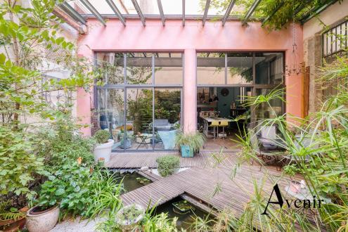 Лофт класса люкс на продажу  Лион, 219 м², 3 Спальни, 1600000€