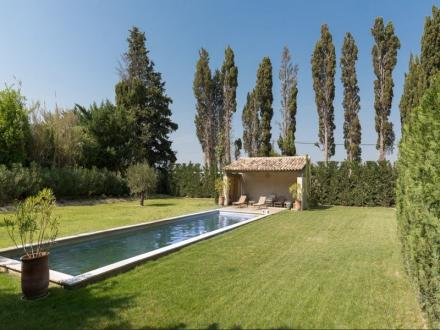 Luxury House for rent MAILLANE, 320 m², 5 Bedrooms,