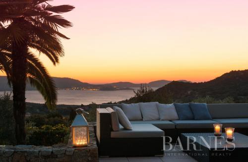 Villa de luxe à vendre LUMIO, 400 m², 6 Chambres, 2650000€