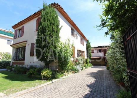 Luxus-Haus zu verkaufen ANTIBES, 206 m², 1260000€