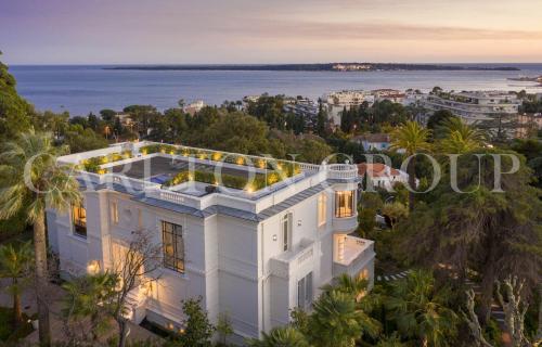 Hôtel particulier de luxe à vendre CANNES, 794 m², 7 Chambres, 21000000€