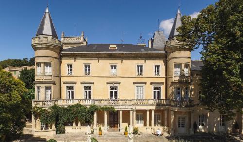 Luxe Kasteel/landhuis te koop UZES, 840 m², 18 Slaapkamers, 3675000€