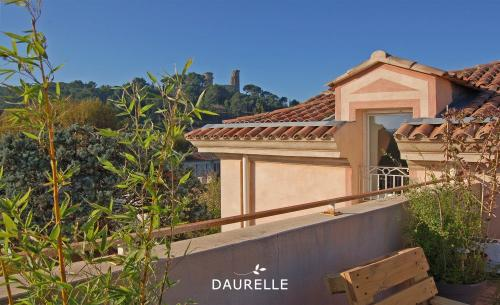 Luxury Apartment for rent CHATEAURENARD, 58 m², 2 Bedrooms, €743/month
