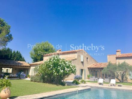 Luxury House for sale EYGALIERES, 350 m², 6 Bedrooms, € 2 490 000