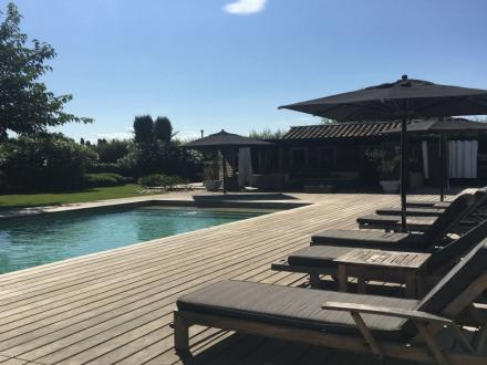 Luxury House for rent MAILLANE, 245 m², 7 Bedrooms,