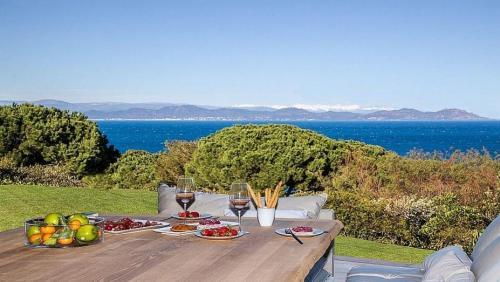 Maison de luxe à louer SAINT TROPEZ, 550 m², 7 Chambres,