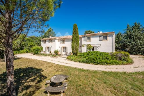 Дом класса люкс на продажу  Кюкюрон, 350 м², 7 Спальни, 2120000€
