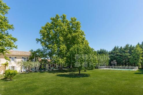 Farm de luxe à vendre MOLLEGES, 245 m², 4 Chambres, 795000€