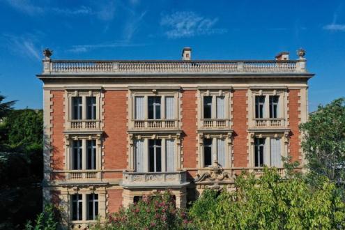 Maison de luxe à vendre NARBONNE, 770 m², 9 Chambres, 995000€