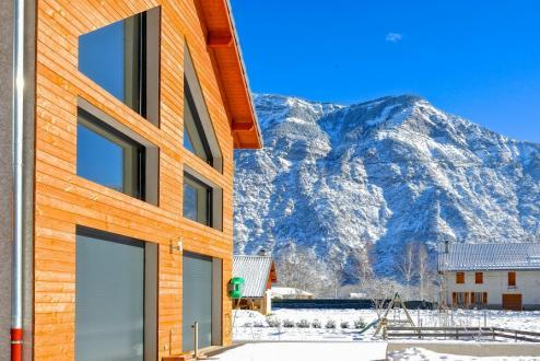 Luxus-Haus zu verkaufen LE BOURG D'OISANS, 299 m², 8 Schlafzimmer, 988000€