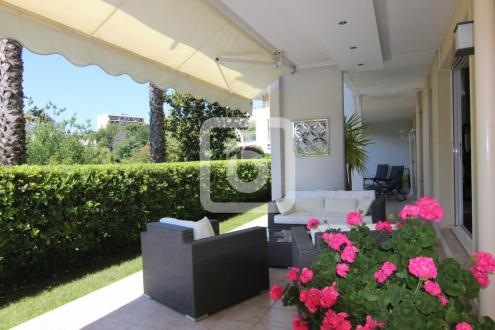 Luxury Apartment for sale ANTIBES, 101 m², 3 Bedrooms, €752000