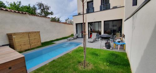 Luxus-Haus zu verkaufen CALUIRE ET CUIRE, 130 m², 4 Schlafzimmer, 949000€