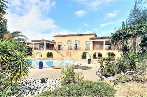 Villa de luxe à vendre GRIMAUD, 290 m², 4 Chambres, 2490000€