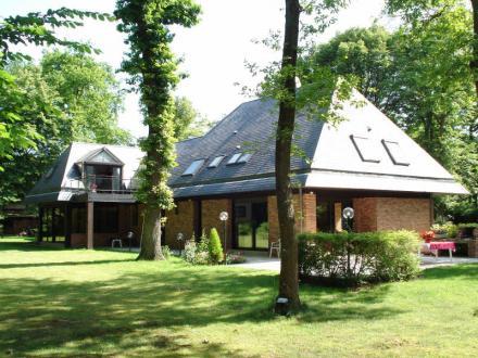 Casa di lusso in vendita LAMORLAYE, 350 m², 5 Camere, 1295000€