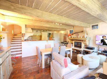 Casa di lusso in vendita GRIMAUD, 185 m², 5 Camere, 682500€