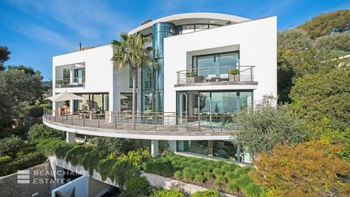 Maison de luxe à louer SAINT JEAN CAP FERRAT, 1250 m², 5 Chambres,