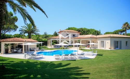 Поместье класса люкс на продажу  Сен-Тропе, 270 м², 4 Спальни, 6300000€