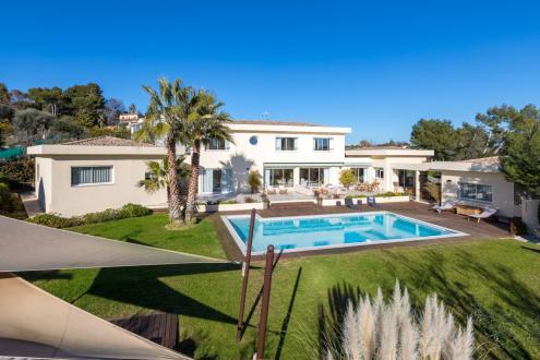 Propriété de luxe à vendre MOUANS SARTOUX, 350 m², 8 Chambres, 3300000€