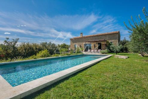 Luxury House for rent CABRIERES D'AVIGNON, 220 m², 4 Bedrooms,