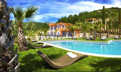 Luxe Villa te koop GRASSE, 430 m², 7 Slaapkamers, 4750000€