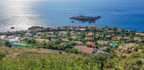 Luxus-Grundstück zu verkaufen SAINT RAPHAEL, 3183 m², 1220000€