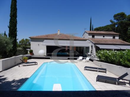 Luxury House for sale PERNES LES FONTAINES, 310 m², 3 Bedrooms, €865000