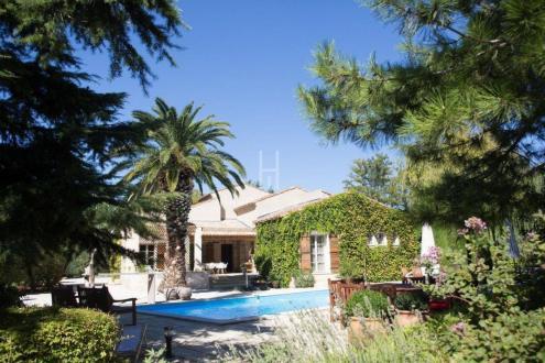 Maison de luxe à vendre PARADOU, 175 m², 5 Chambres, 1484000€