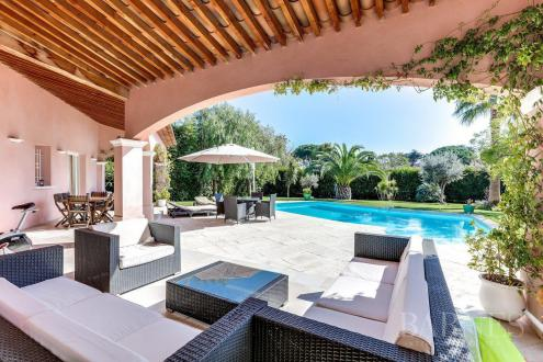 Luxury House for rent ANTIBES, 180 m², 4 Bedrooms,