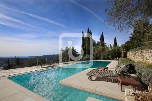 Luxus-Liegenschaft zu verkaufen GRASSE, 270 m², 5 Schlafzimmer, 1580000€