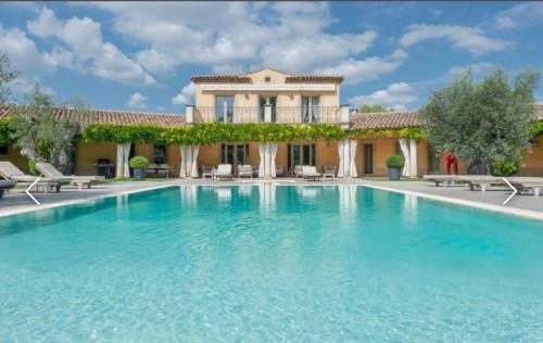 Propriété de luxe à vendre AIX EN PROVENCE, 300 m², 4 Chambres, 1890000€