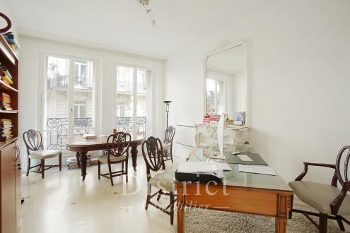 Luxury Apartment for sale PARIS 8E, 71 m², 2 Bedrooms, €1144000
