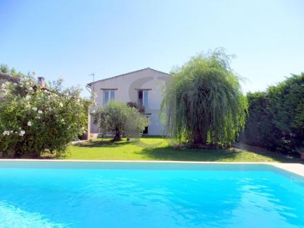 Casa di lusso in vendita L'ISLE SUR LA SORGUE, 285 m², 6 Camere, 790000€