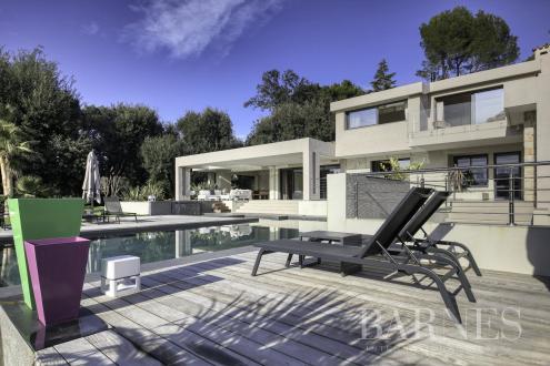 Luxe Huis te huur VALBONNE, 300 m², 6 Slaapkamers,